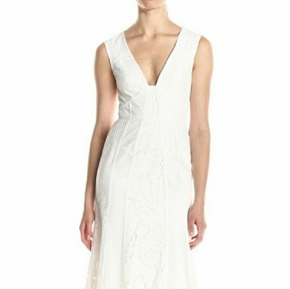 ac5757d87b0 BCBG MaxAzria Size 8. White Dress